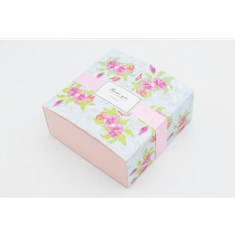 Boxes with Ribbon Flower